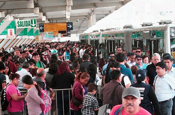 Metropolitano en orden: Implementarán cola exclusiva para colones