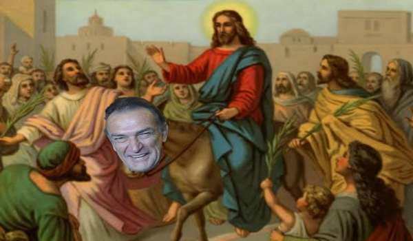 A falta de burro, Becerril se ofrece cargar a Jesucristo hoy, Domingo de Ramos